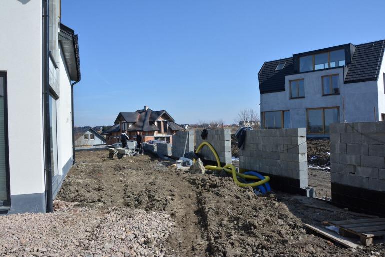 Zakładanie nowoczesnego ogródka w Skotnikach (Kraków)